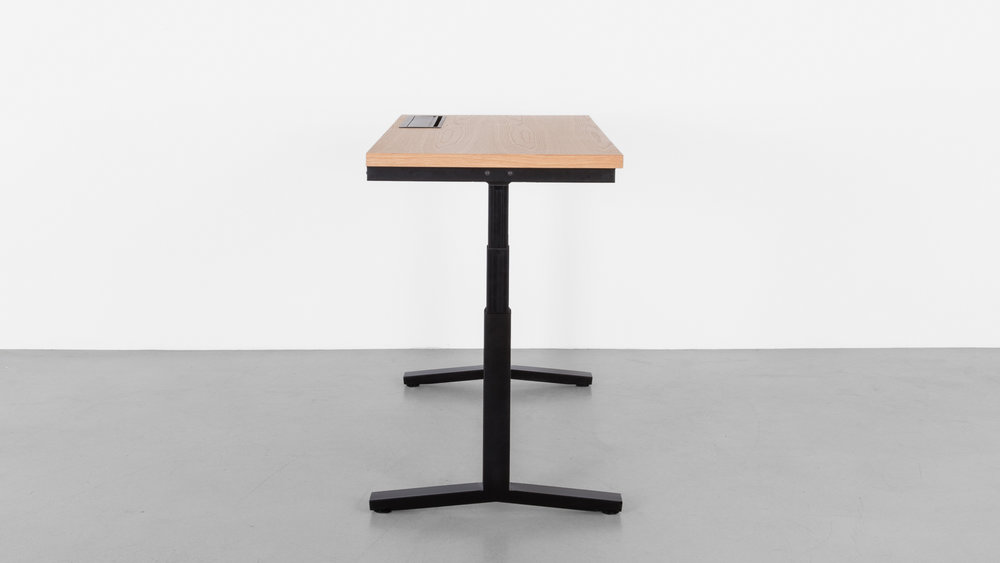 Minim_Rise_Desk_Oak_06.jpg