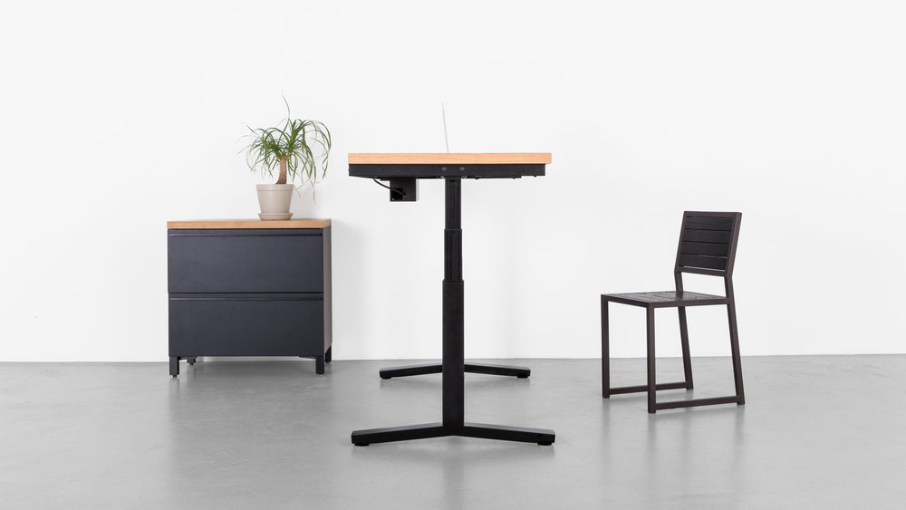 Minim_Rise_Desk_Oak_08.jpg