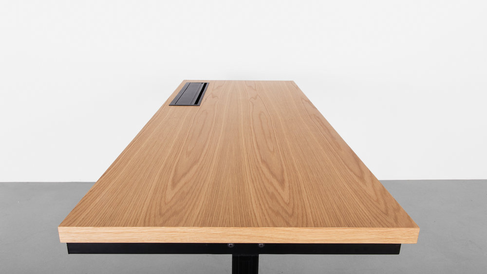 Minim_Rise_Desk_Oak_07.jpg