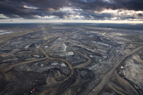 Syncrude Aurora Oil Sands Mine - Credit Elias Schewel.jpg