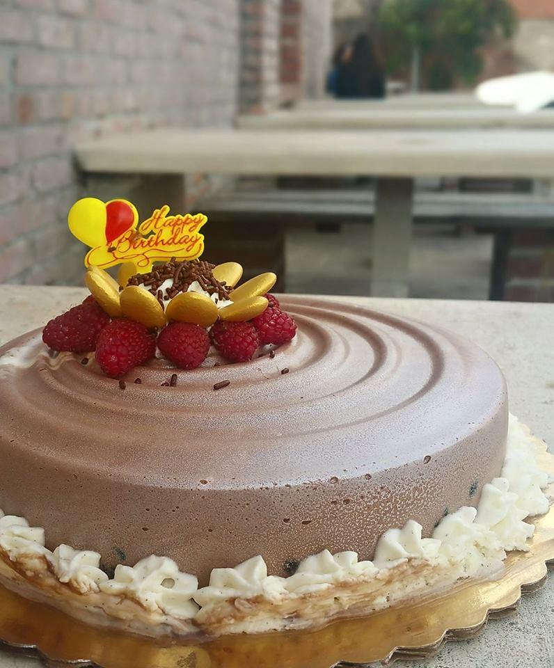 AO choco chese cake whole.jpg