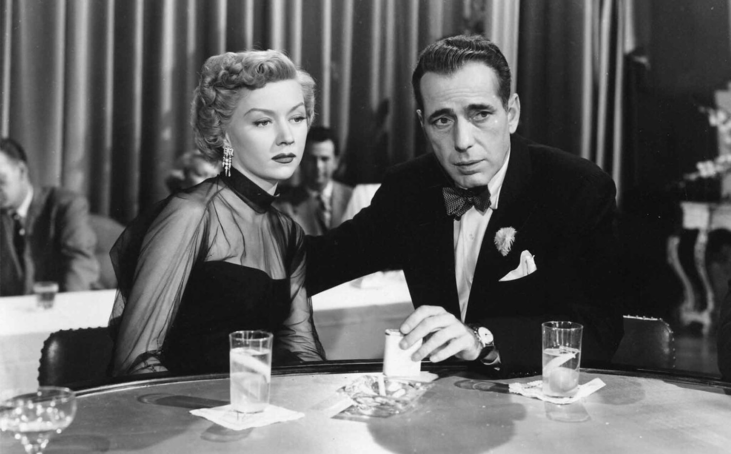 The african queen related review in a lonely place