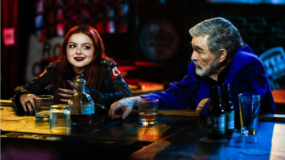 https_%2F%2Fblogs-images.forbes.com%2Flukethompson%2Ffiles%2F2018%2F03%2Fthe-last-movie-star-92_Lil-Ariel-Winter-Sitting-at-Bar-with-Vic-Edwards-Burt-Reynolds_rgb.jpg