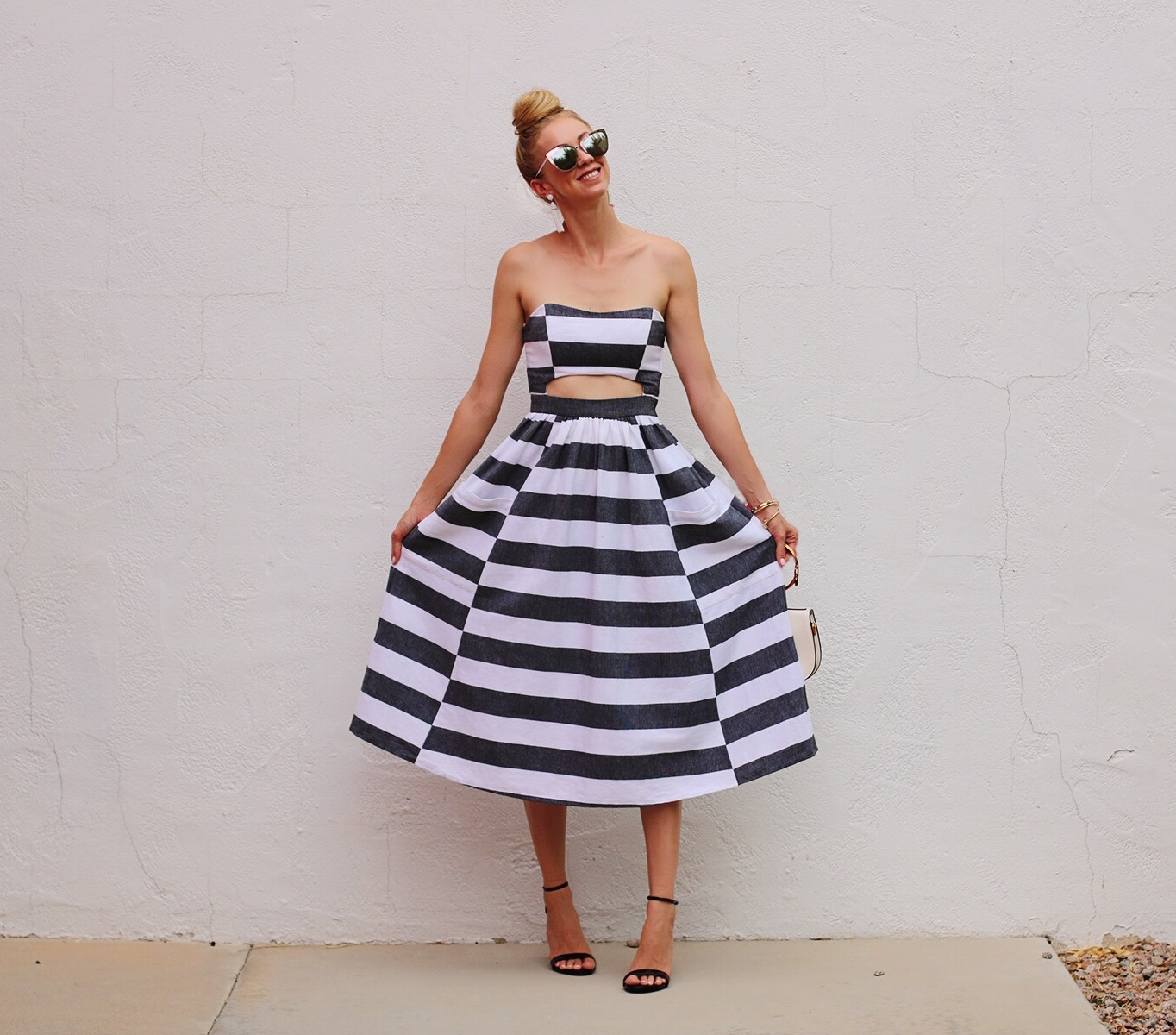 Stripe A Pose With Love And Style