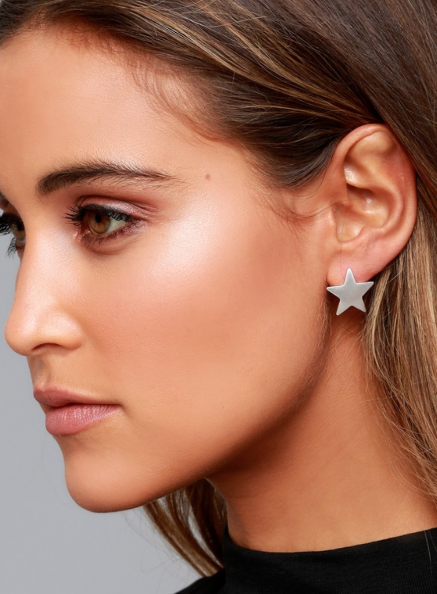 star-earrings-silver-lulus.png