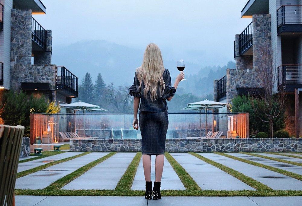 las-alcobas-hotel-napa-st-helena-vineyard-view.jpg
