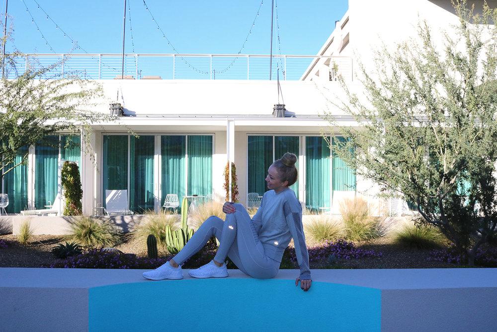 alo-yoga.jpg