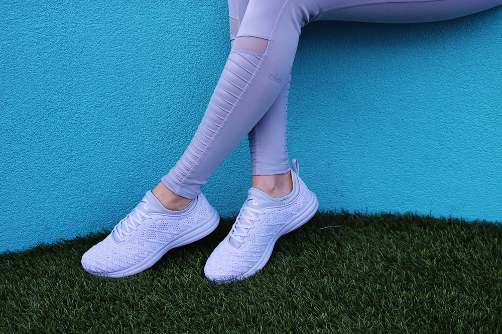 apl-gray-sneakers-techloom.jpg
