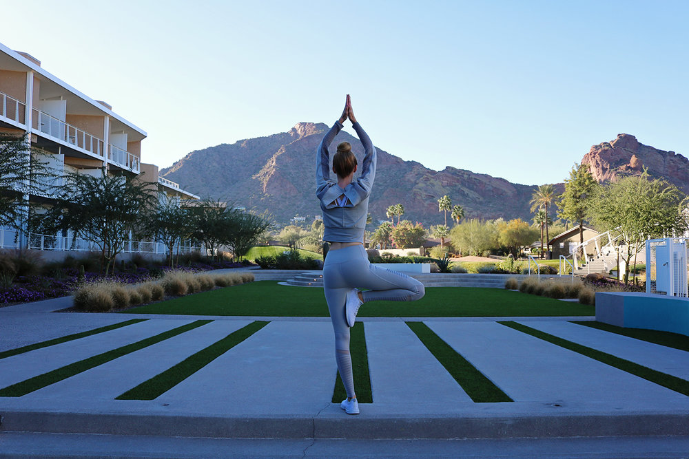 alo-yoga-activewear-Vriksasana-yoga-pose-mountain-view-scottsdale-az.jpg