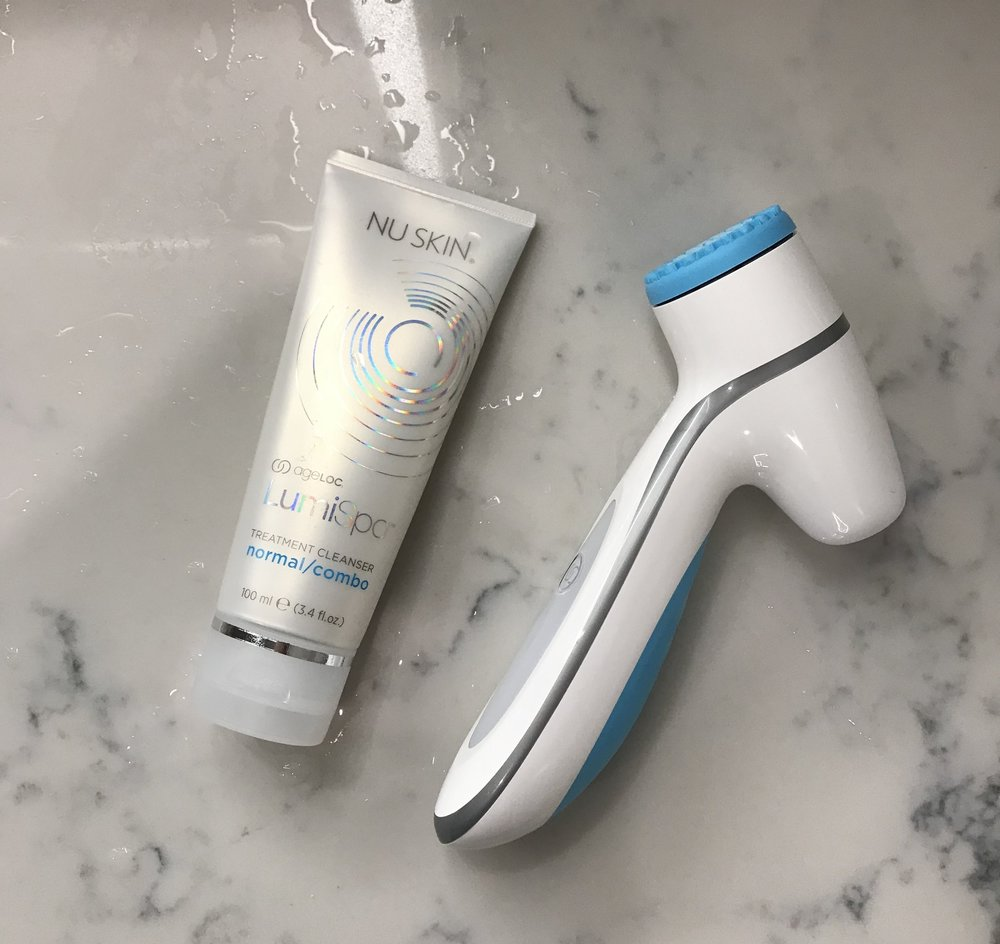 nu-skin-ageloc-lumispa-tool-cleanser.jpg