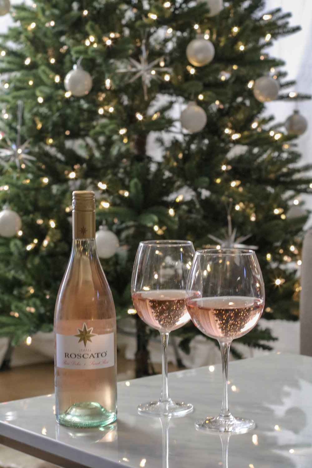 roscato-rose-sweeten-up-the-holidays-7.jpg
