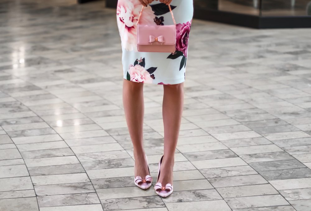 Ted-baker-eveelyn-looped-bow-evening-bag-light-pink-clutch.jpg