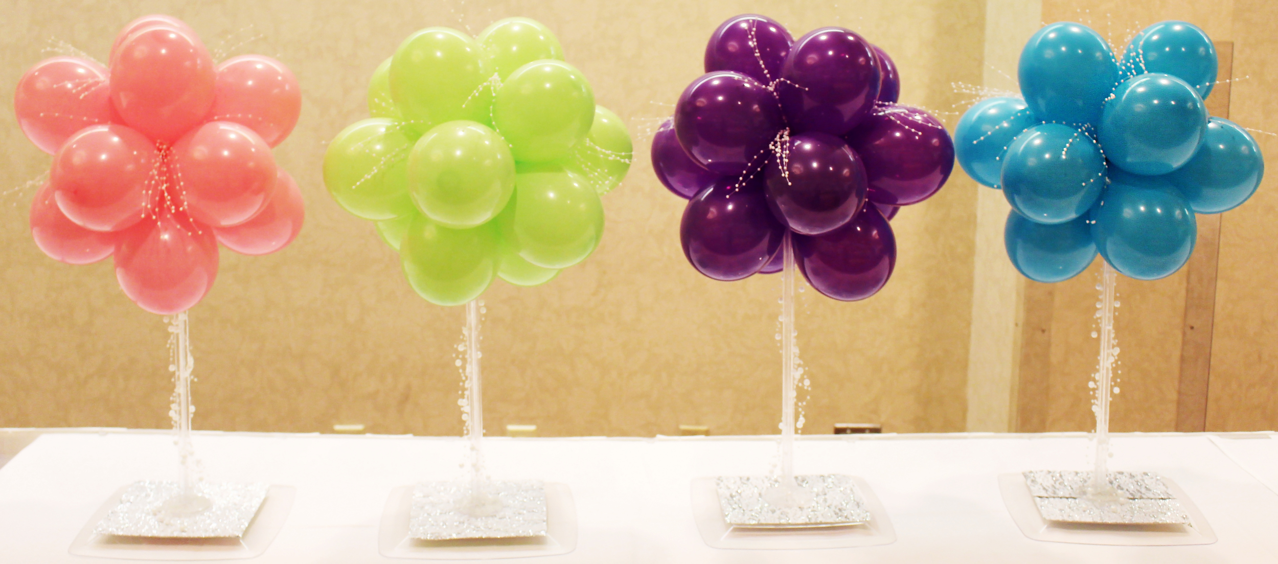 Centerpieces — Diddams Party & Toy Store