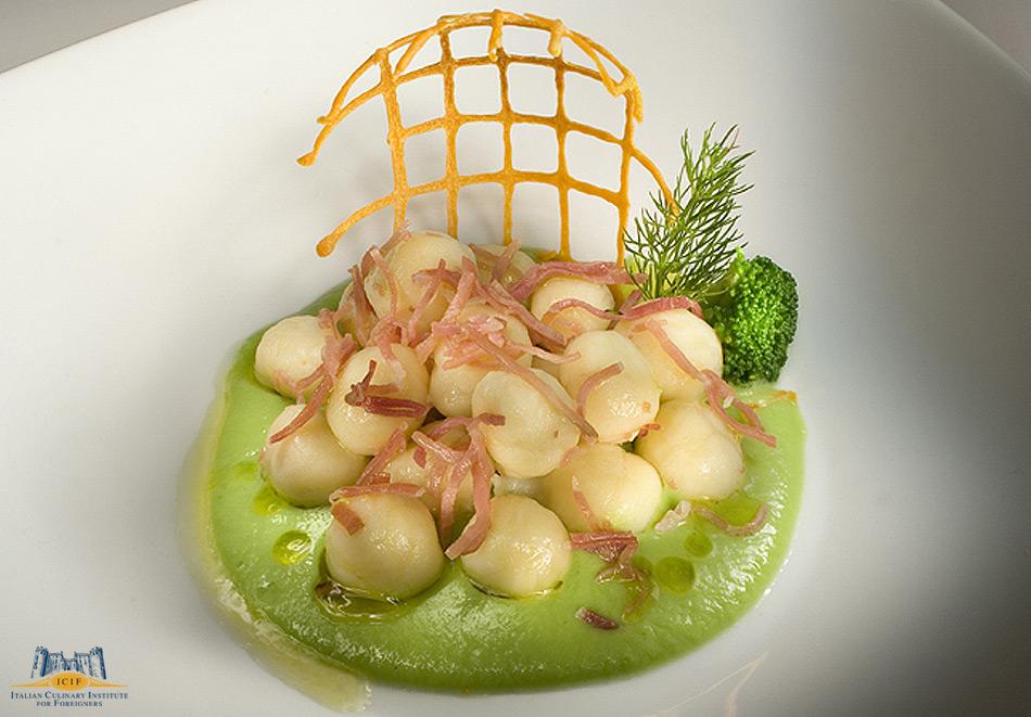 Ricotta cheese gnocchi with broccoli cream and speck.jpg