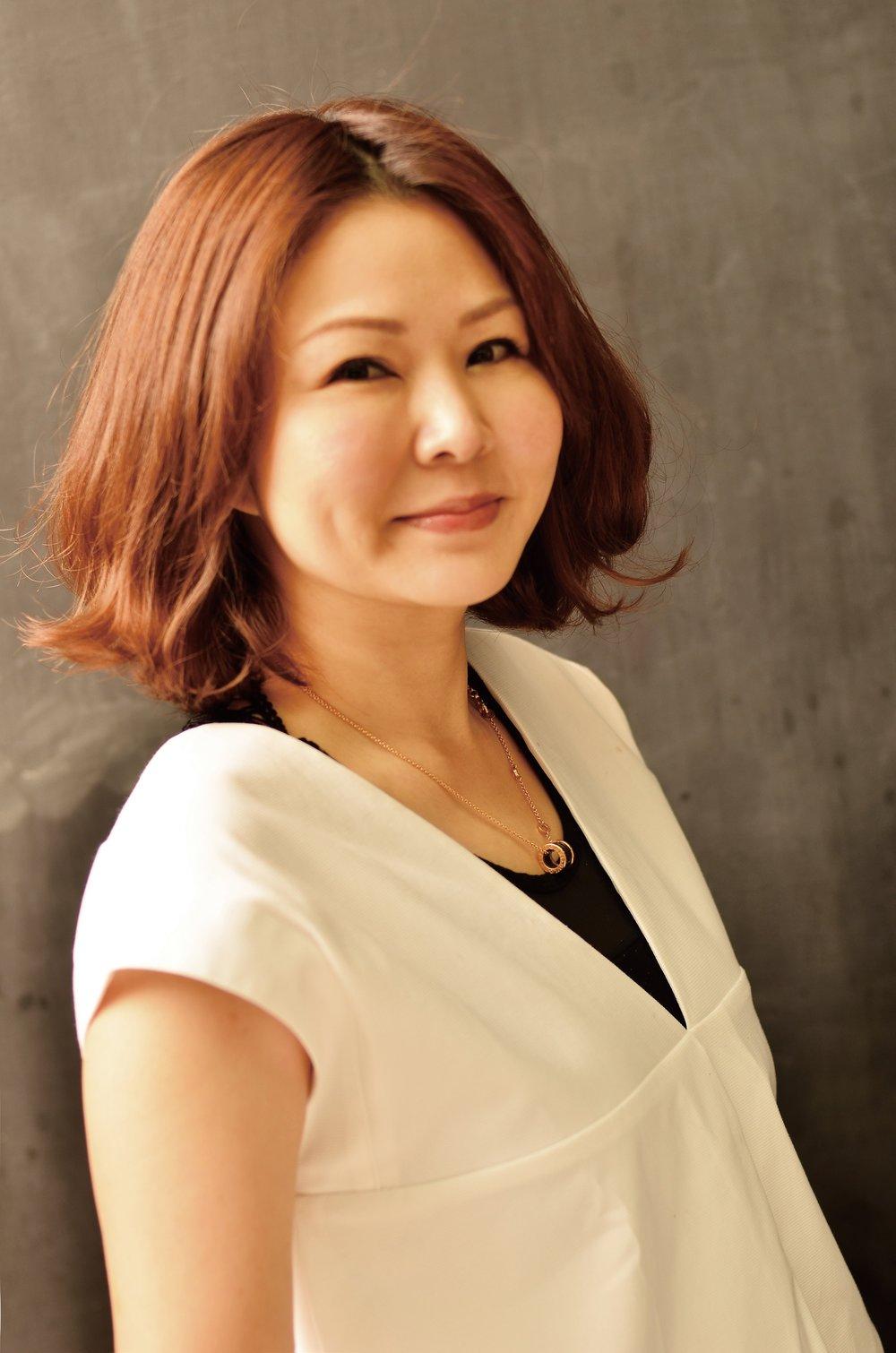Ellen Wu作者照B.jpg