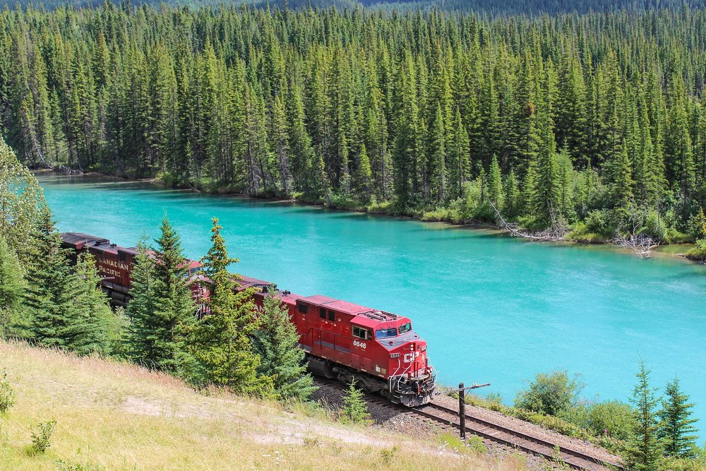 train-1542096_1920.jpg