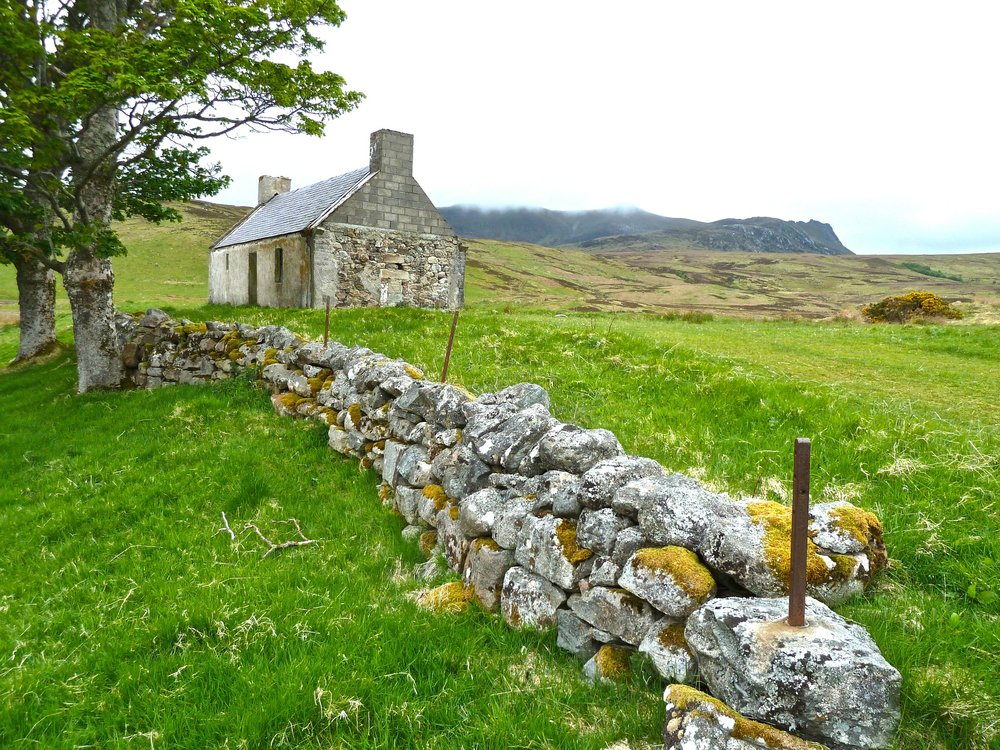farmhouse-272596_1920.jpg
