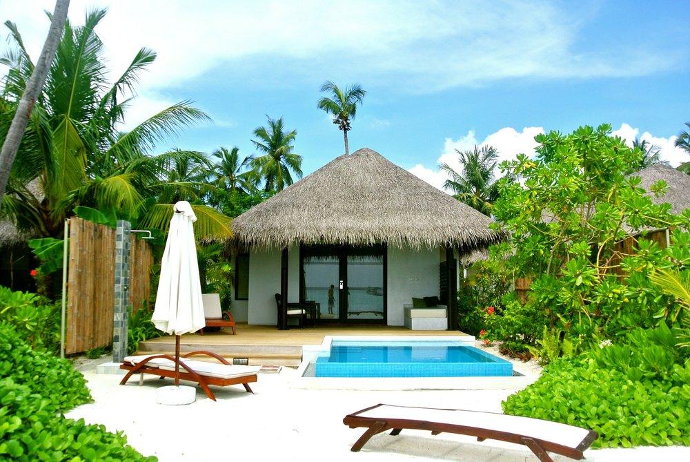 maldives-262523_1920.jpg