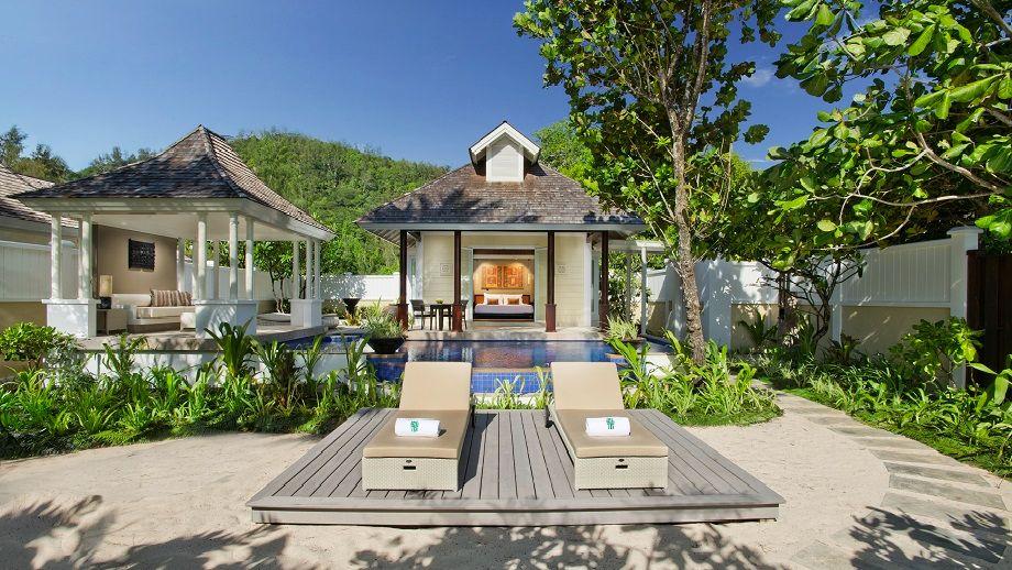 bt-seychelles-room-beachfront-leadin.jpg