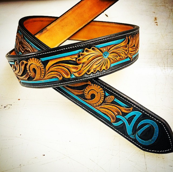 traditional western w/ border bead and color
