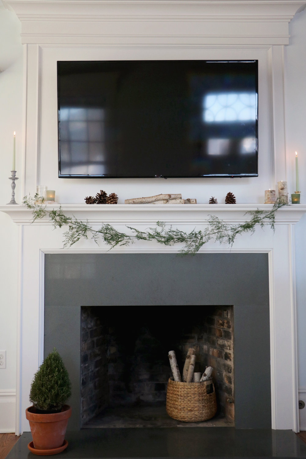 How to Create a Non-Holiday Winter Mantle and a DIY Flora Garland | root + dwell