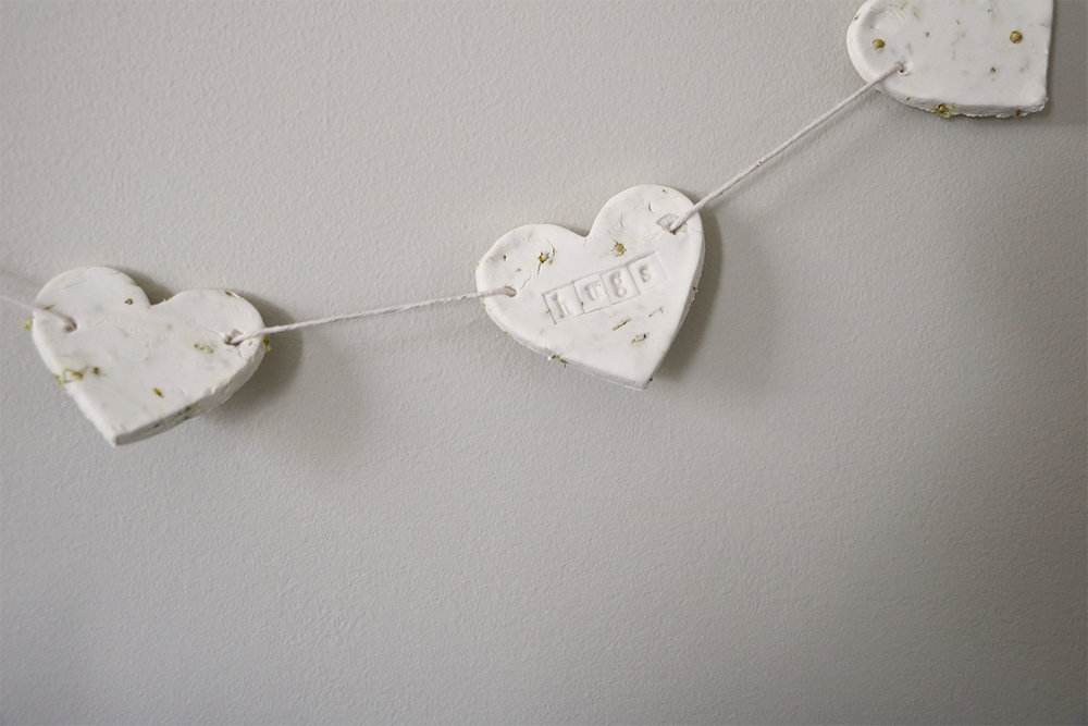 DIY cornstarch + baby's breath heart garland | root + dwell