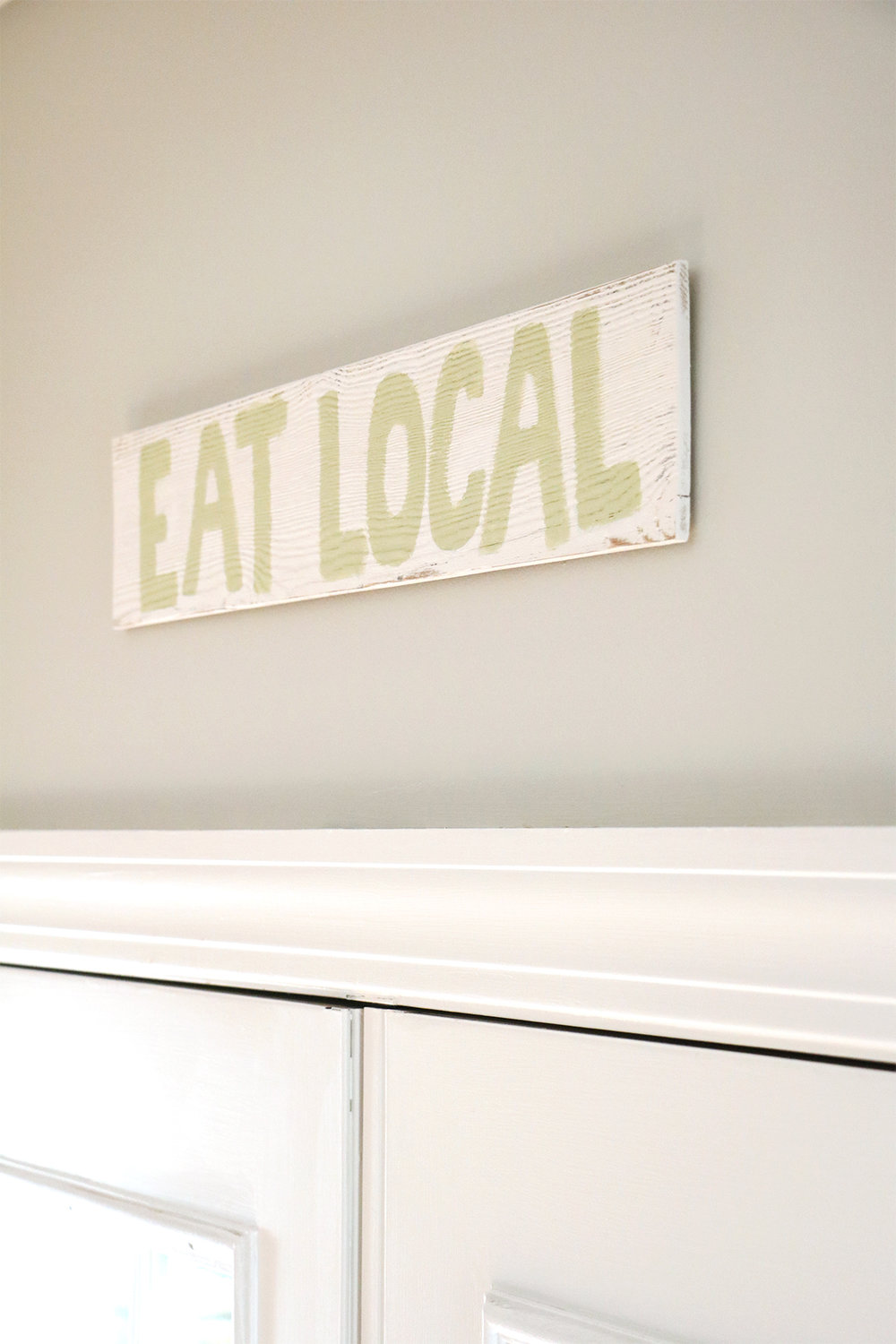 our natural + airy eat-in kitchen | root + dwell