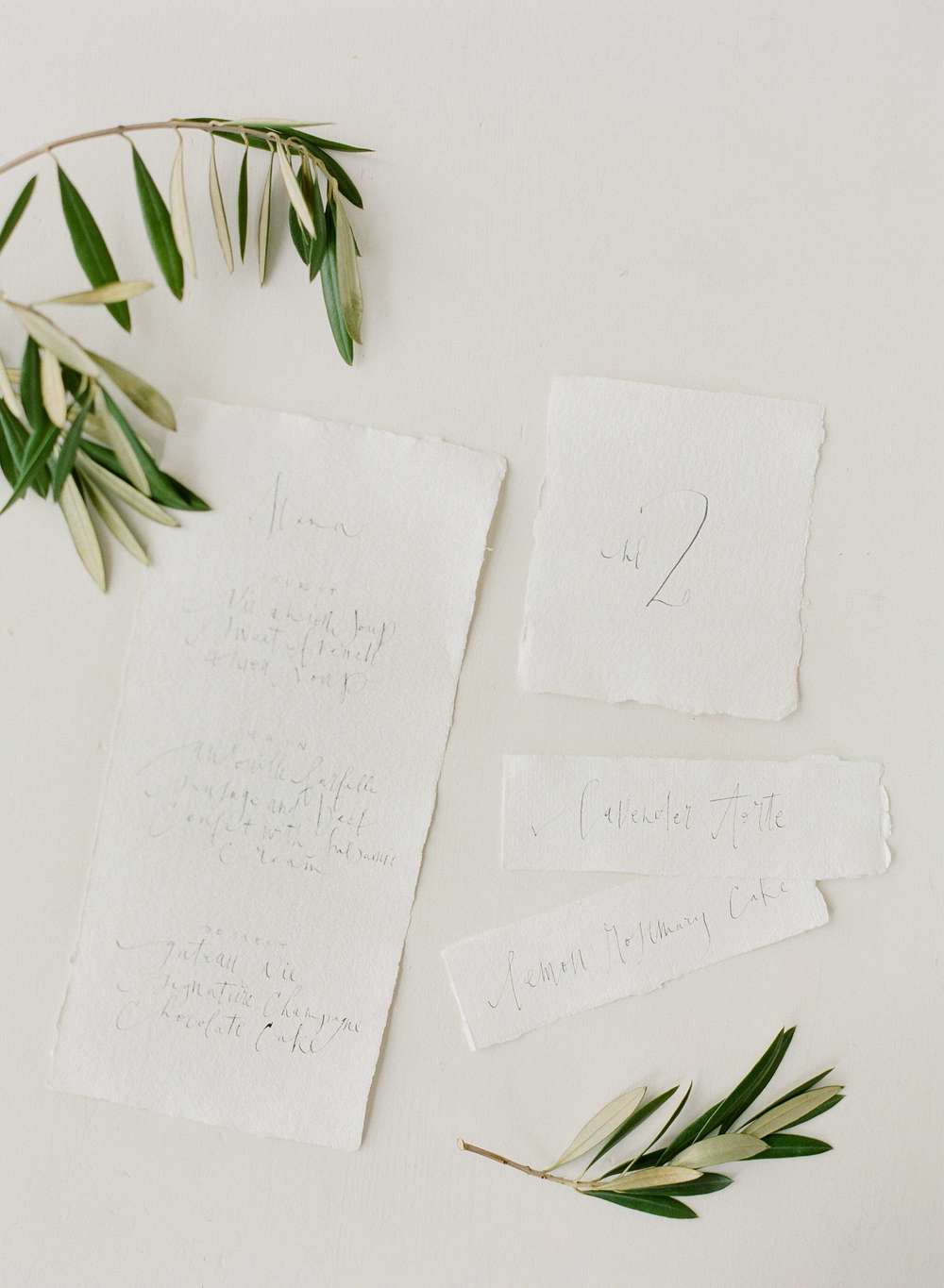 10-organic-calligraphy-wedding-menu-tara-spencer.jpg