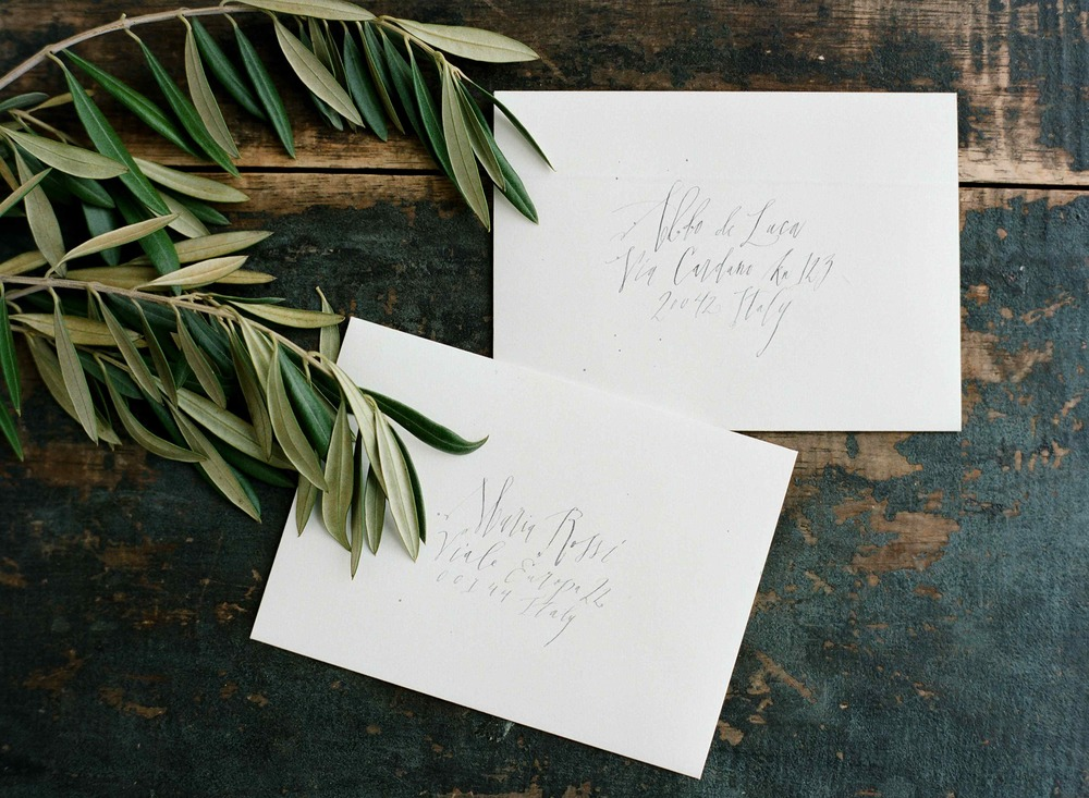9-organic-calligrapher-wedding-envelopes-tara-spencer.jpg