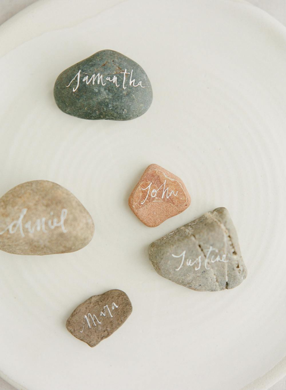 17-rock-calligraphy-place-cards-tara-spencer.jpg