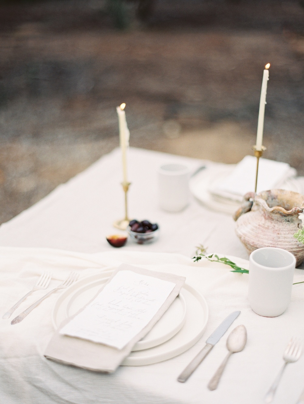 4-organic-calligraphy-wedding-tablescape-tara-spencer.jpg