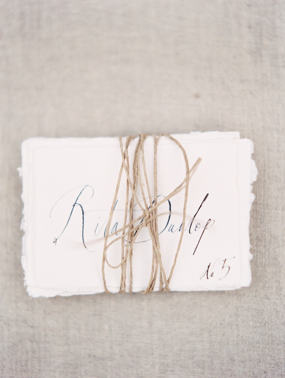 13-organic-calligraphy-place-cards-tara-spencer.jpg