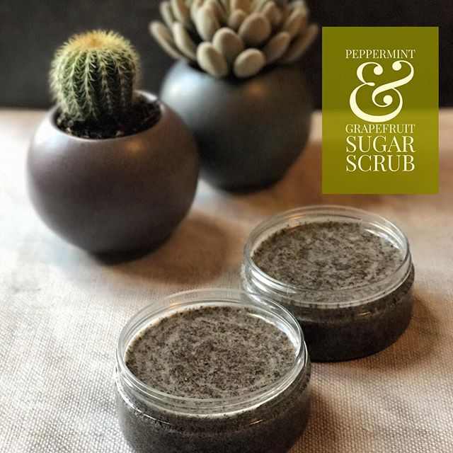 In today's Organic Body Skincare Workshop with #naturesbar we made a classic: a coconut based sugar scrub with peppermint leaves and grapefruit essential oil. A match made in heaven💚💚💚 We used coconut sugar which gently but effectively exfoliates and the peppermint and grapefruit provides an uplifting scent while showering. Gorgeous!