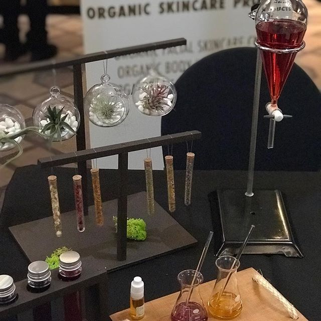 Today, for the first time ever, I at the Beauty and Wellness Convention in London. So many lovely people💚#naturalskincare #organicskincare #greenbeauty #londonworkshops