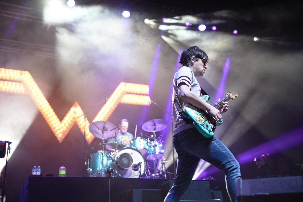 Weezer 2-1.jpg