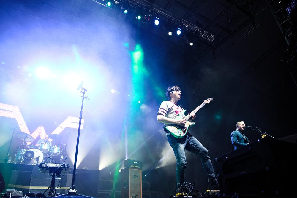 Weezer 5-1.jpg