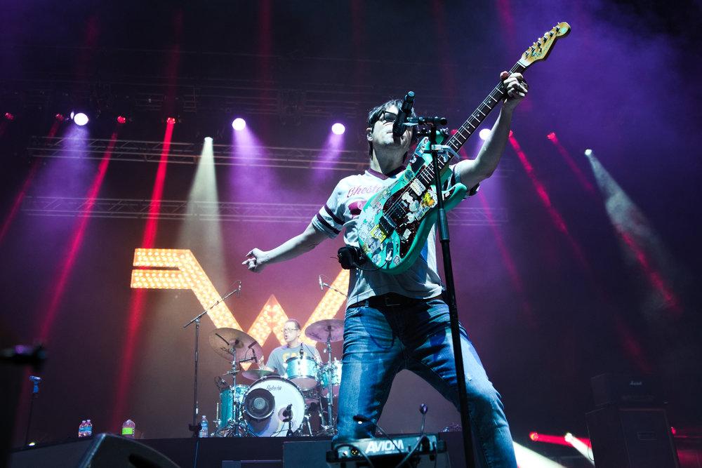 Weezer 7-1.jpg
