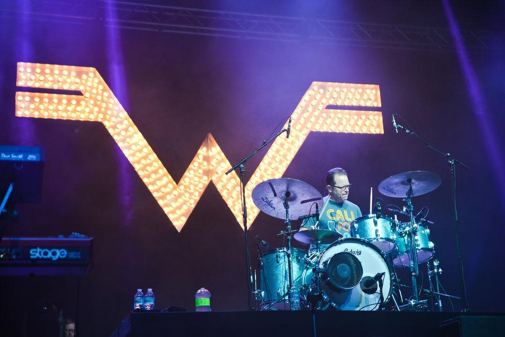 Weezer 9-1.jpg