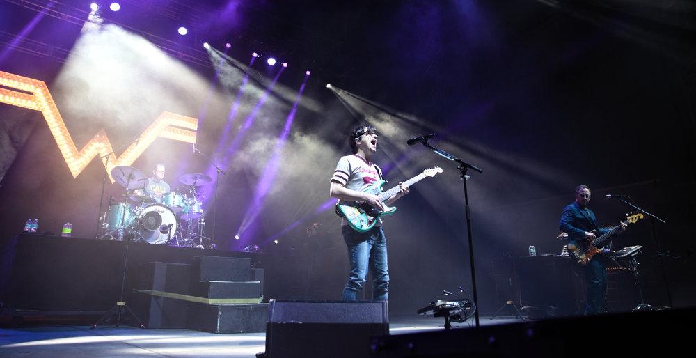 Weezer 13-2.jpg