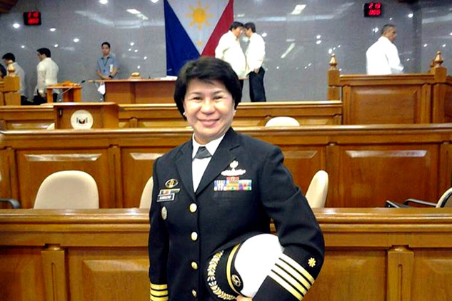 Luzviminda Camacho after taking her oath in the Philippine Senate in September 2013.