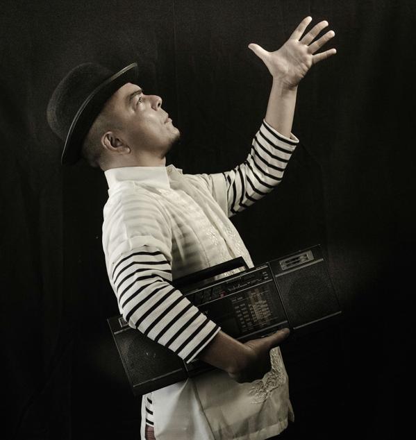 Carlos Celdran's Livin' La Vida Imelda