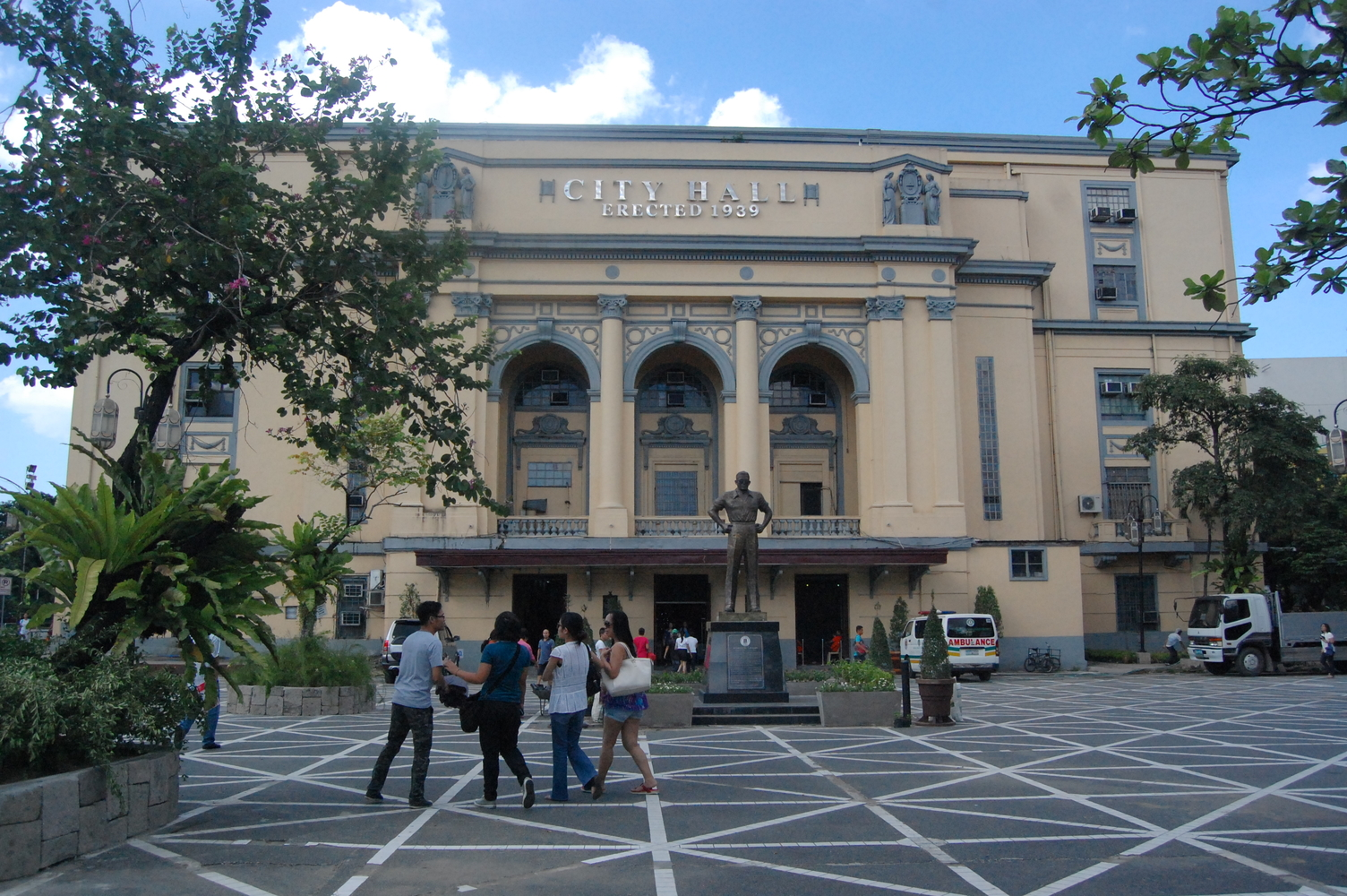 rsz_cover_photo_-_manila_city_hall