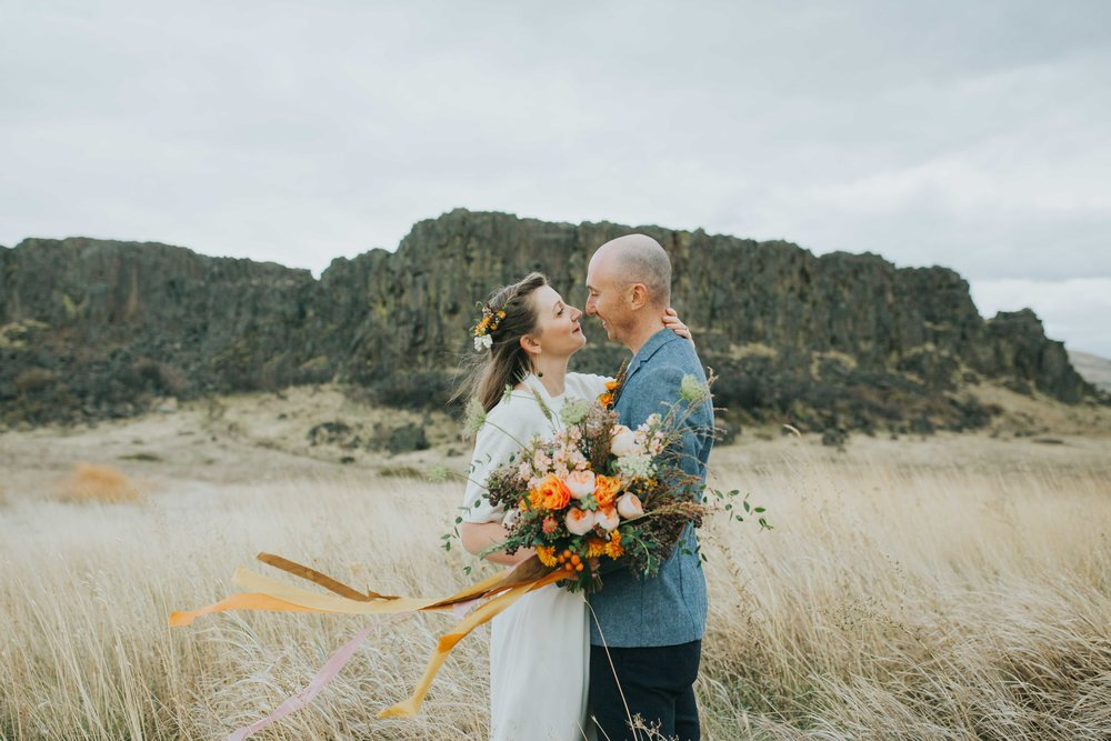 Washington Destination Wedding Photographers Horsethief Butte-1.jpg