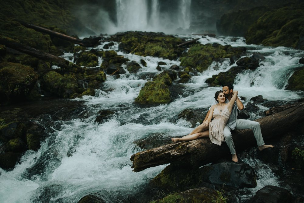 Portland Elopement Adventure Wedding Photographer-8.jpg