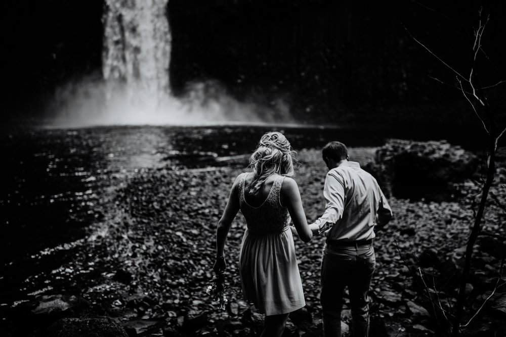 Portland Adventure Elopement Photographers.jpg