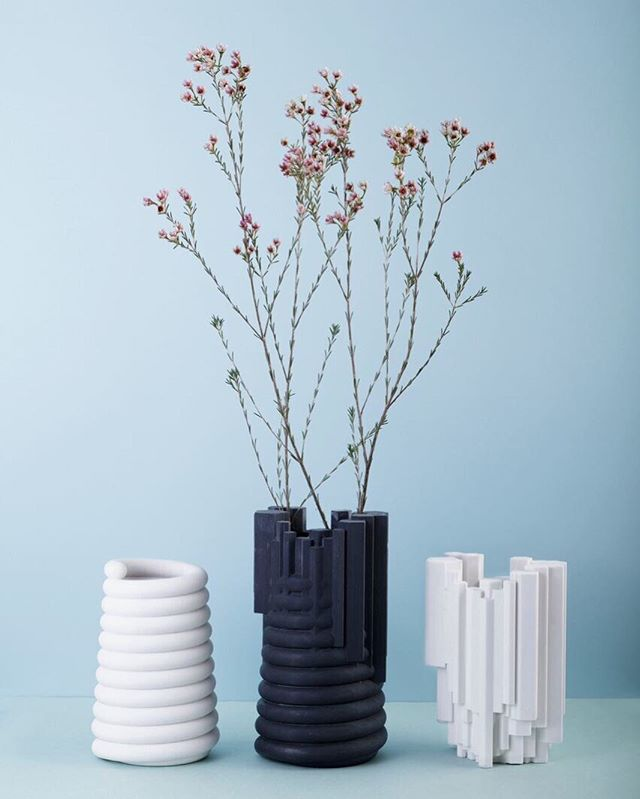 1+1+1. - by @petra_lilja_design_studio, @hugdetta_studio & @aaltoxaalto ⠀⠀⠀⠀⠀⠀⠀⠀⠀ - #1plus1plus1 #petraliljadesign #hugdetta #aaltoxaalto #vase #design #baronesso