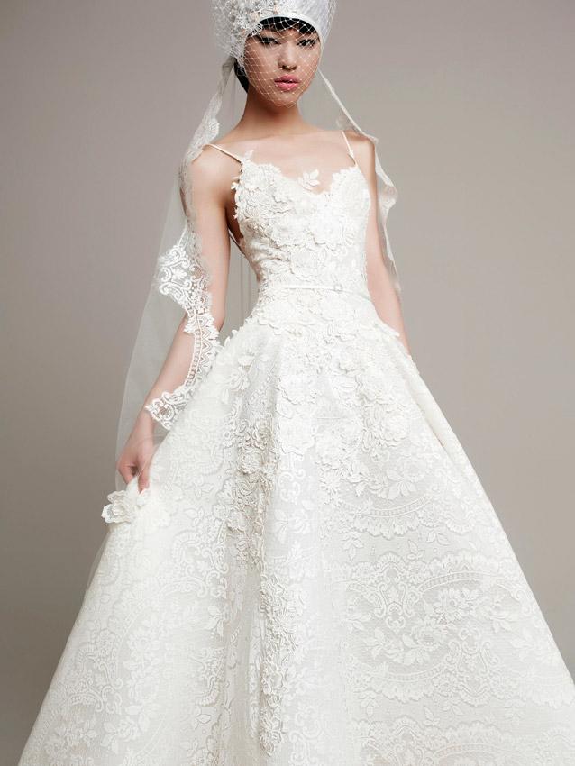 wedding-dresses-abiti_da_sposa_pizzo_moderni_abito_da_sposas_di_design_moderni abiti_da_sposa_casamento_weddingYolanCris_Yolan_Cris_REQUENA-0.jpg