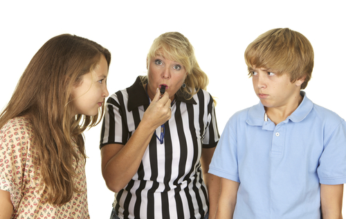 sibling fights and mom referee