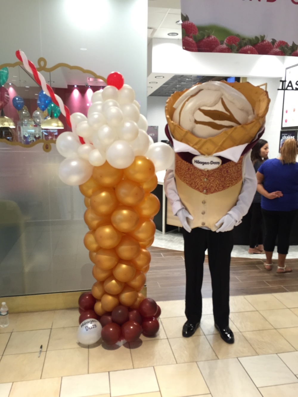 Gallery - Balloon Display Haggen Daz.jpg