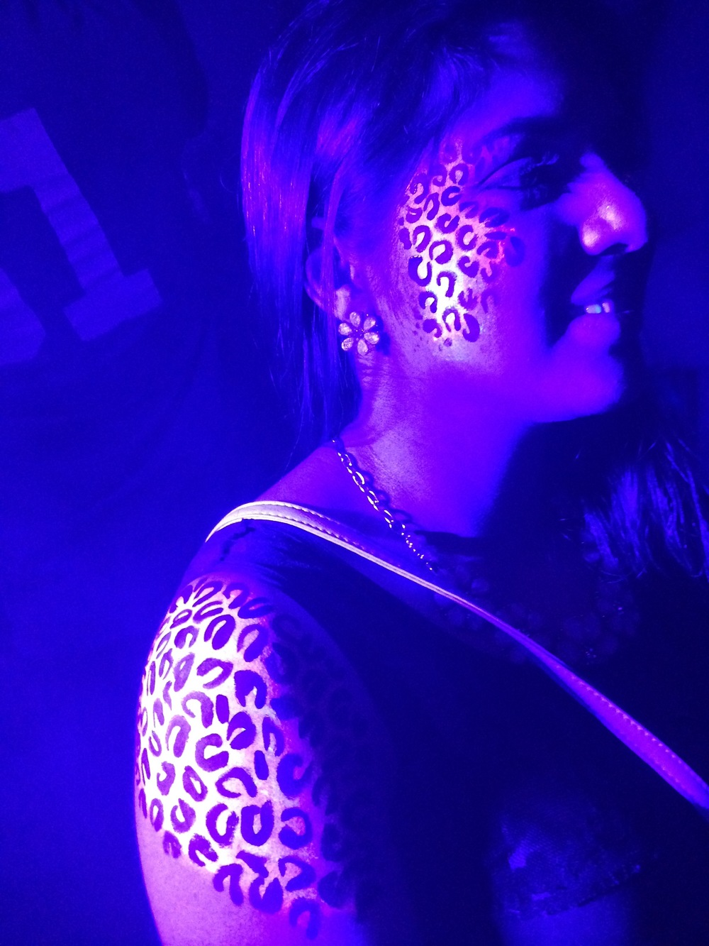 Body Paint - black light cheetah.jpg